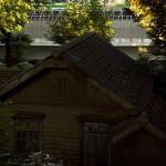 【Tokyo Train Story】木造のお屋敷の向こうを走る東北本線