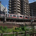 【Tokyo Train Story】渋谷区東1丁目区民菜園横を駆け抜ける東急東横線