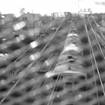 【Tokyo Train Story】柵越しに霞む電車