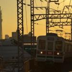 【Tokyo Train Story】黄金色の空に彩られた塔