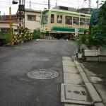 【Tokyo Train Story】坂の路地を上がった先に