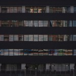 【Tokyo Train Story】運河沿いのビルに(東京モノレール)