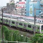 【Tokyo Train Story】山手線とスーパーこまちのすれ違い