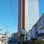 【Tokyo Train Story】キャロットタワーの足元を(東急世田谷線)