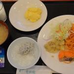 新鉛温泉愛隣館でのバイキング形式の朝食を食べてから送迎バスで新花巻駅へ 冬の東北温泉巡りの旅 その9
