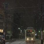 【Tokyo Train Story】大塚駅付近の急坂を雪の中下る(都電荒川線)