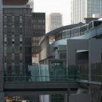 【Tokyo Train Story】ビル街の中から出発するゆりかもめ