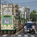 【Tokyo Train Story】バイクや車と一緒に信号待ちをする都電荒川線