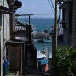 小さな漁師町の千葉県の太海でネコと井戸ポンプを撮影する 夏の青春18きっぷの旅 たっぷり千葉県編 その16