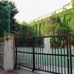 上野駅近くのラピュタにあるような建築物 旧下谷小学校 その1