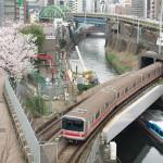 【Tokyo Train Story】神田川を越える丸ノ内線の桜風景