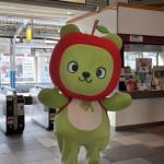 上諏訪駅であずさ13号のお出迎えをするアルクマに会う 冬の青春18きっぷで行く長野への旅 その4