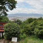 伏見稲荷大社がある稲荷山の山頂に到達する 夏の京都旅行2012 その34