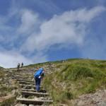 谷川岳の2つの山頂、トマの耳とオキの耳に到達する 夏の終わりの谷川岳登山 その7
