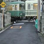 腰越の満福寺付近で江ノ電とネコを撮影する 偽修学旅行2013 鎌倉・江ノ島への旅 その11