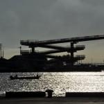 夕暮れ間近の木更津港の風景を撮影する 青春18きっぷで行く夏の久留里線の旅 その11
