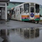 山形鉄道フラワー長井線の赤湯駅で出会ったのはもっちぃ列車だった 元気が出る鉄道写真2011の旅 その2