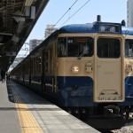 横須賀色の115系電車に高尾駅から乗車する 春の青春18きっぷの旅 相模湖で探す春編 その1