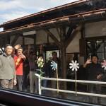 今泉駅で山形鉄道フラワー長井線とお別れする 元気が出る鉄道写真2011の旅 その14