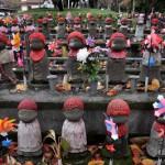 増上寺の紅葉に彩られたお地蔵さん 浜松町散歩 その7