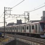 【Tokyo Train Story】東急大井町線の派手な車両