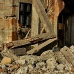 軍艦島の瓦礫の中で 長崎旅行 その10