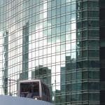 【Tokyo Train Story】高層ビルとビルの隙間を走行するゆりかもめ