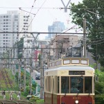 【Tokyo Train Story】雑司が谷付近の起伏がある地形を力強く走る都電レトロ風車両