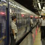 【Tokyo Train Story】あけぼのが走る夏 乗車チェックをする駅係員