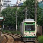 【Tokyo Train Story】緑をバックに走る都電荒川線