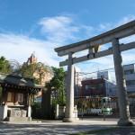【Tokyo Train Story】台風一過、尾久八幡神社の鳥居(都電荒川線)