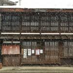 江戸時代から建物が残る奈良井宿の相模屋で温かなきつねそばを食べてみる 『冬の長野 アルクマ詣での旅』 その13