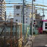 【Tokyo Train Story】フェンスで囲われた街(都電荒川線)