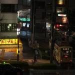 【Tokyo Train Story】山手線のホームから夜の都電荒川線を見下ろす