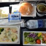 ANAの成田空港からドイツのデュッセルドルフまでの飛行機内で食べた機内食が最高に美味しかった件 『ドイツ路地裏散歩の旅』 その1 #ANAxトラベラーズ
