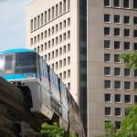 【Tokyo Train Story】窓ガラス、ギラリ(東京モノレール)