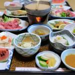 肉や魚の山の幸、海の幸で満腹になることができる大出館の夕食 『塩原元湯温泉大出館の旅』 その6