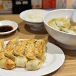 宇都宮餃子館で焼き、揚げ、スープの3種類の餃子を堪能する 『夏の青春18きっぷの旅2015 栃木編』 その5