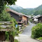 花と緑に彩られた昔ながらの宿場町である妻籠宿を歩いてみる 『夏の長野旅2015』 その11