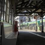 【Tokyo Train Story】池上駅の長いベンチ(東急池上線)