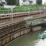 【Tokyo Train Story】神田川を進む船と中央線
