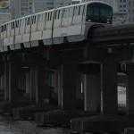 【Tokyo Train Story】運河脇の高架を走り抜ける東京モノレール