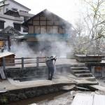野沢温泉で地元の人しか利用することができない麻釜熱湯湧泉と洗濯場を見学してみる 『信州野沢温泉への旅』 その5