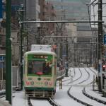 【Tokyo Train Story】綺麗なカーブを描く雪の日の線路(都電荒川線)