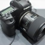 平成28年(2016年)3月24日発売予定のタムロンの手ぶれ補正付き85mm単焦点レンズをCP+2016で撮影してきた