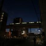 【Tokyo Train Story】蒼い空を背景に走り抜ける日暮里・舎人ライナー