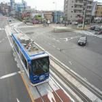 【Tokyo Train Story】広い道路の真ん中を都電荒川線が走る