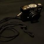 【フィルムカメラ】Rollei B35にネックストラップとレンズフードをつけてみた