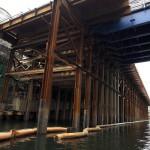 巨大構造物が連続する神田川の神田ふれあい橋からお茶の水橋の間の風景 『千代田のさくらクルーズの旅』 その2