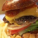 目黒で本格的なハンバーガー!Hungry Heaven(ハングリーヘブン)で巨大なハンバーガーにかぶりつく!